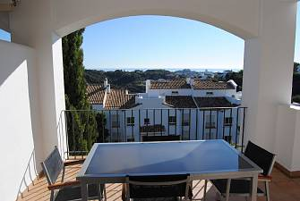 Spacious apartment with 2 bedrooms 2 bathrooms in the gated urbanisation  and with private security during the night