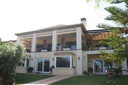 Beautifull quality villa situated in the heart of the Golf Valley, south facing and with sea- and mountain views