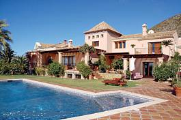 Charming and elegant villa with top quality build and  views across the Mediterranean