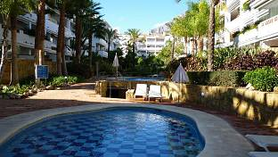 Garden apartment 75 m away from the beach  with large private terrace and garden