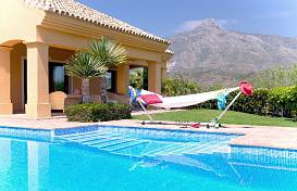 A family home close to golf course, ionternational school and Puerto Banus