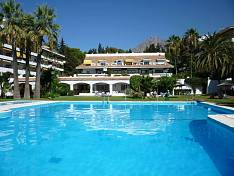 Marbella - Golden Mile, spacious apartment in walking distance to beach and amenities
