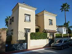 Immaculate cosy Villa near Puerto Banus with  oil central heating, partial air conditioning, alarm system and  marble floors