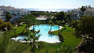 Marbella - Golden Mile, large apartment with panoramic sea views in walking distance to amenities and beach