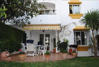 Townhouse close to beach and in walking distance to amenities and town centre
