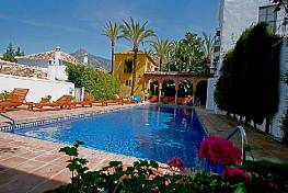 Nice rustic townhouse situated in an andalucían pueblo styled area on the golden mile
