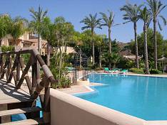 2 bedroom apartment with excellent location nearby Marbella centre, golf and beach