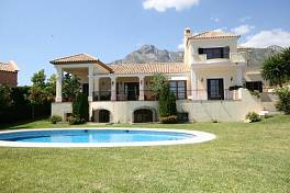 Exceptional Villa in prestigious area in Marbella, with open sea views