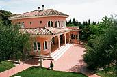 Villa in secluded position with wonderful views only 5 minutes drive from Ronda