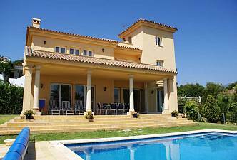 An exceptional, light and spacious 4 bedroom villa situated in the heart of ´Golf Valley´