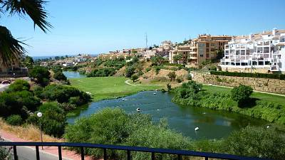 Apartment with fantastic views on to the golf course and the sea