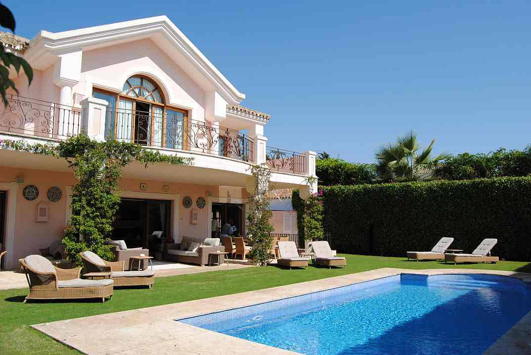 Beautiful villa situated in an established residential for Beautiful villas images