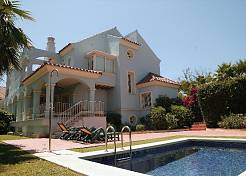 Semi-detached Villa near Puerto Banus, Marbella, beachside