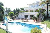 Elegant south facing villa situated within a few minutes walk of the exclusive 'La Cabane' Beach Club