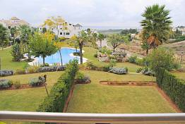 Lovely apartment with sea views situated in a gated complex